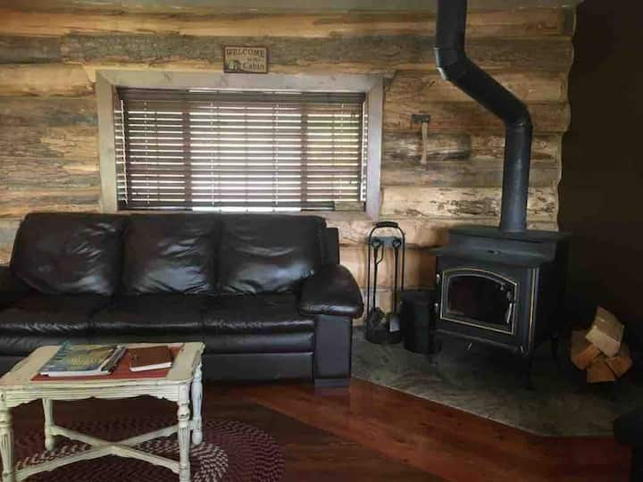 The Rustic La Garita Cabin