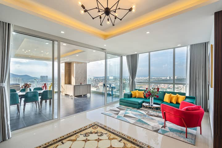 Sky Villa 4BR Apartment on 30th Floor with BBQ