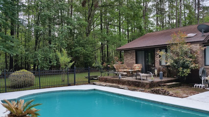 Beautiful 3 bedroom home with in-ground pool
