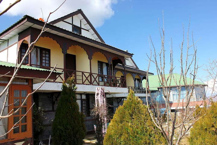 3 Bed Room Villa on a Hill Top - Kufri - Hotel boutique