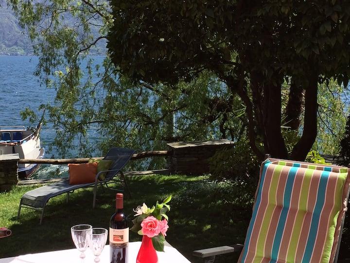 Direkt am Wasser (Lago Maggiore)