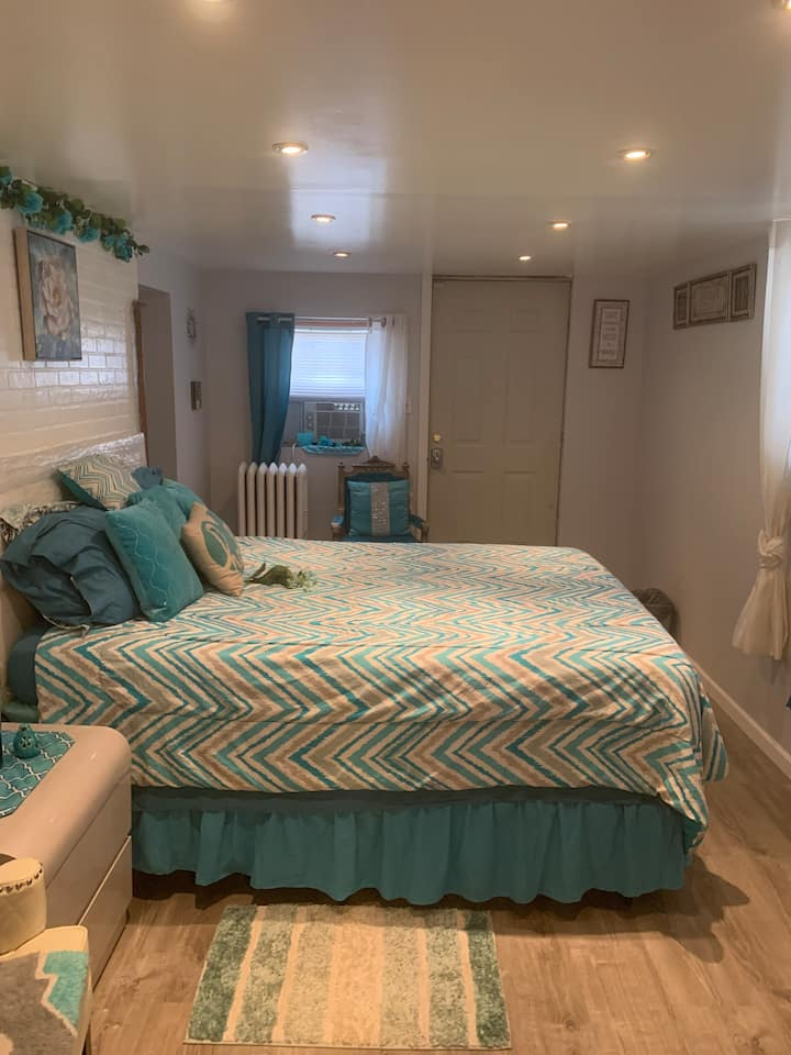 1Br Garden Level Space w/Pvt All- St.Albans,Queens