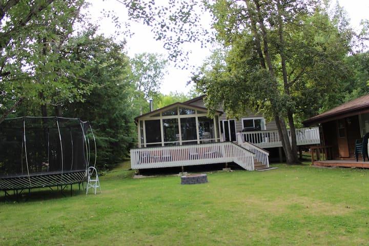 Lee River Cabin