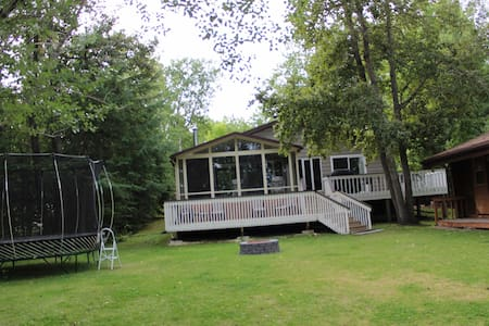 Lee River Cabin