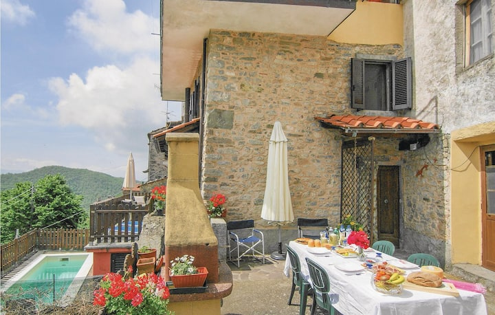 Awesome home in Montefegatesi with WiFi, Outdoor swimming pool and 4 Bedrooms