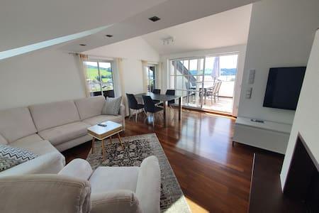 Top-Dachterrassen-Wohnung Mattsee Urlaub am See