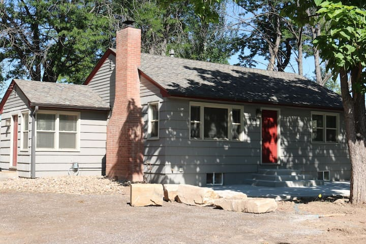 Location.x3-Charming Home Steps to CSU & Old Town