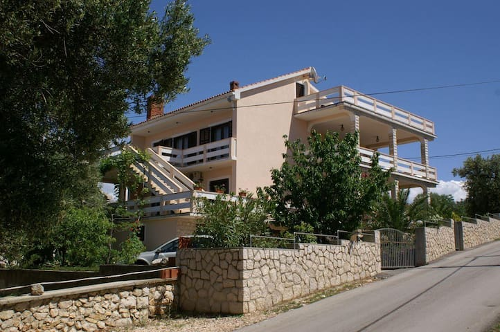 Two bedroom apartment with terrace and sea view Lun, Pag (A-4062-a) - Lun - Byt