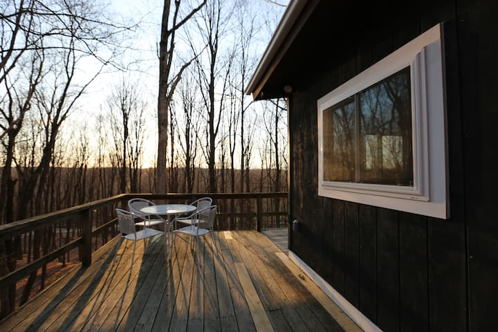 Private 2Br Cabin on 130 acres w/ Waterfall, Views