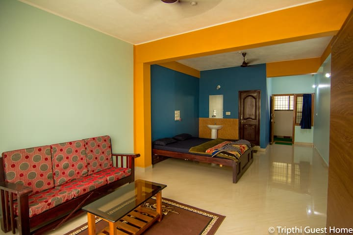 trupthi guesthome Room3