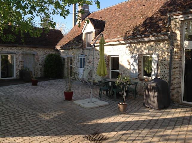 Maison de Champfort - Sigloy - House
