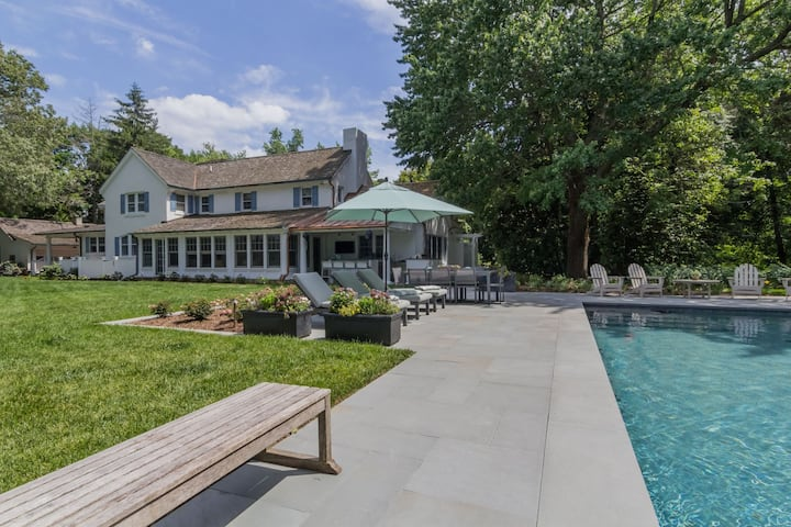 Blue Gates - Elegant Waterfront Home with Pool & Outdoor Kitchen!