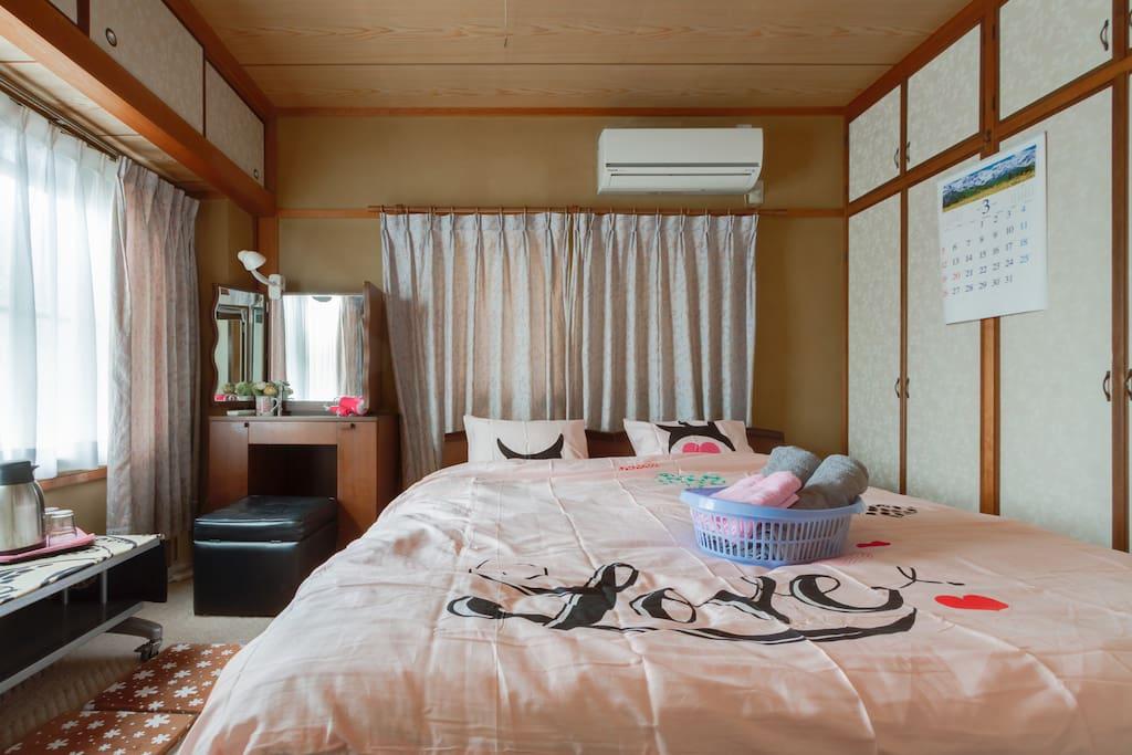 冬は加湿器を用意しています。It is a room that I can relax.