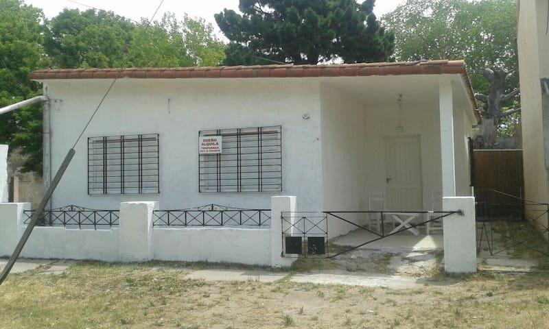 Casa amplia cerca de la playa - San Clemente del Tuyu - Ev