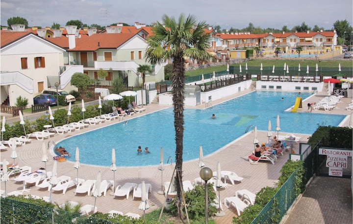 Holiday apartment with 2 bedrooms on 42m² in Rosolina Mare (RO)