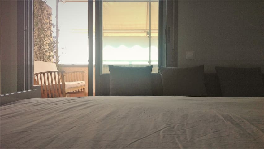 'mi otra habitación' terrace. airport-ifema