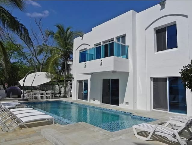 Casa Sobre El Mar - Santa Marta 12p