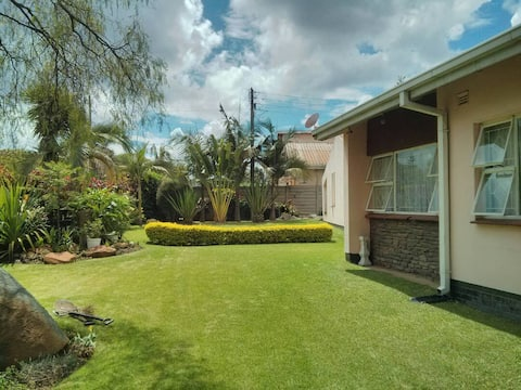 Lovely  tidy home with charming garden