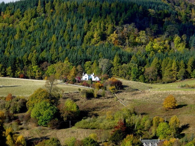 Tombuie: a charming house with unforgettable views - Perth and Kinross - House