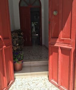 Spacious central old town house - Pruna - 連棟房屋