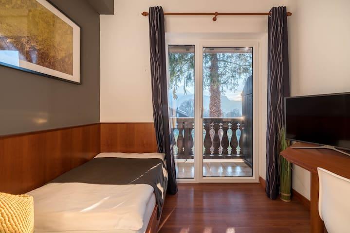 Singlezimmer mit Balkon, Bergblick & Frühstück