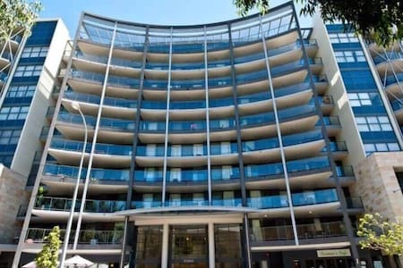bigbed in Perth city Easy live - Perth - Apartamento