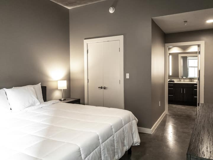 Two Bedroom Apartment in Downtown Austin
