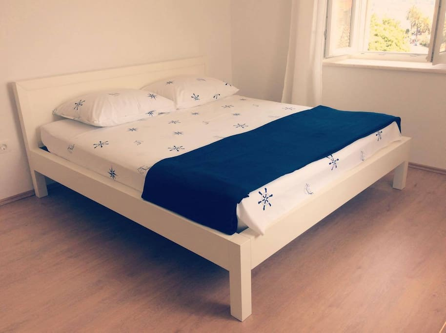 The big room - double bed.