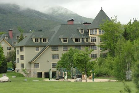 A condo in Golden Eagle Lodge White Mountain NH - Waterville Valley - Selveierleilighet