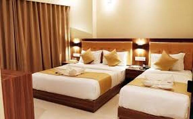 private stay near by airport