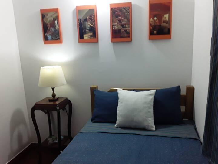 Cálida y agradable habitación personal