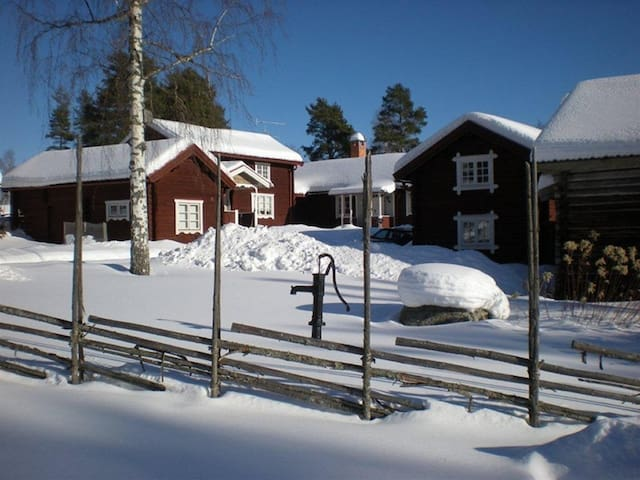 Genuine picturesque cottage / lodge Dalecarlia - Leksand - Kabin