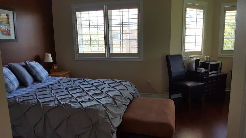 Huge Bedroom with En Suite for rent in Bolton - Caledon - Casa