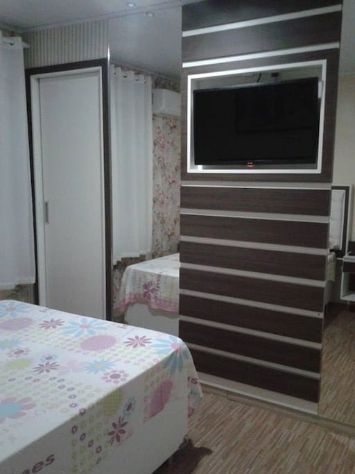 1 -quarto com closet, tv a cabo e ar condicionado