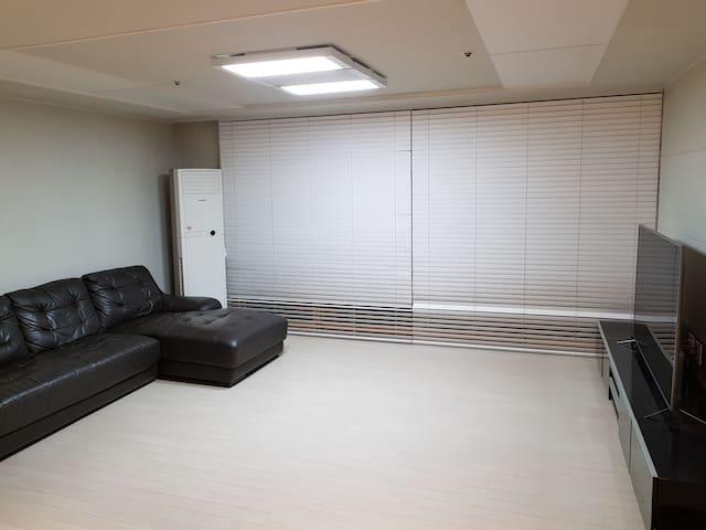 (아파트전체)춘천대우이안 33평 16층 럭셔리아파트 최고급가전제품 최고급침구류 구봉산전망