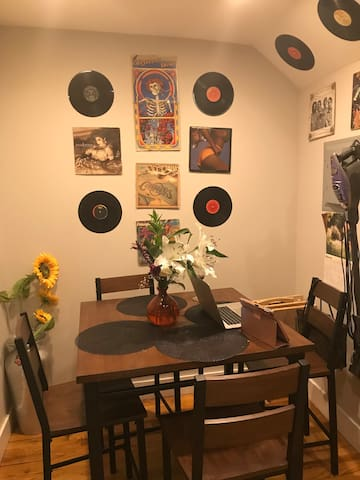 Eclectic Space for Chill and Creative Energies