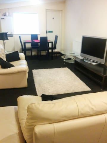 3 Bed first floor flat in Seaham up to  6  guests