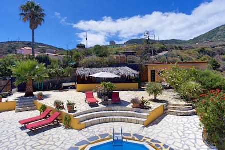Finca with spectacular view near Playa Nogales