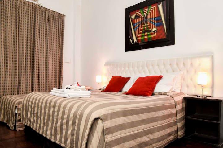 Habitación Triple Matrimonial + 1 cama/Triple Twin - Buenos Aires - Casa