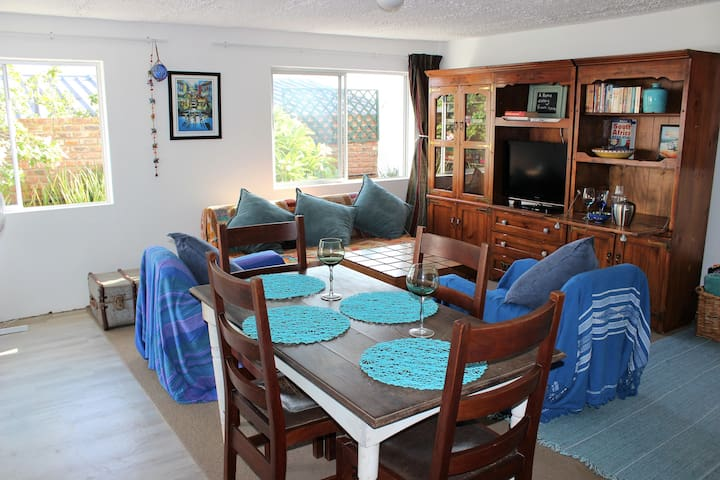 Mediterranean, Self Catering Garden Apartment - Mossel Bay - Daire