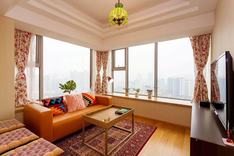 美丽的客厅,超大的窗户,温馨浪漫的装饰一下俘获你的心!