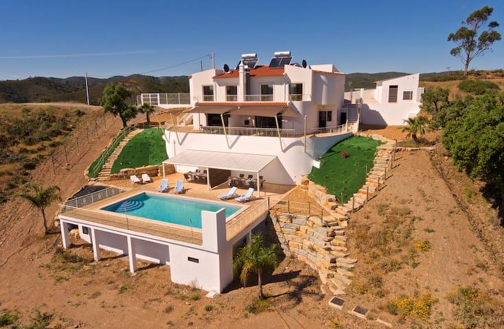 Casa Joop na Montanha with Heated Swimming Pool