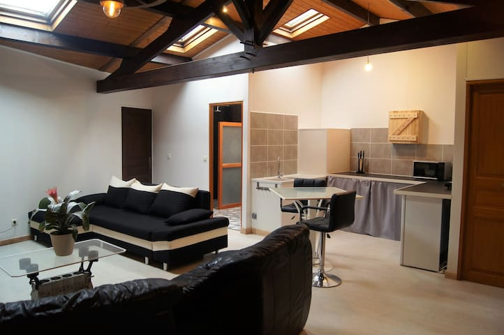 Countryside studio close to the Puy du Fou