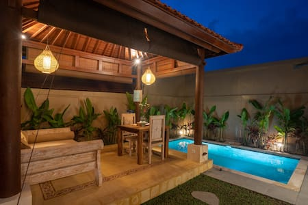 Tunjung Putih Villa Suite 2 with Private Pool