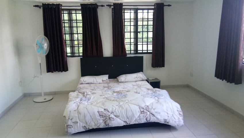 Private room in Semi-D House KL city centre 1