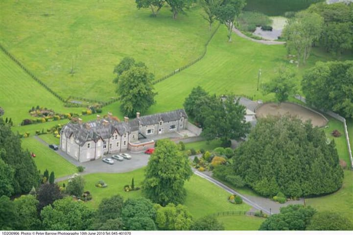 Irish Estate and Magical Setting