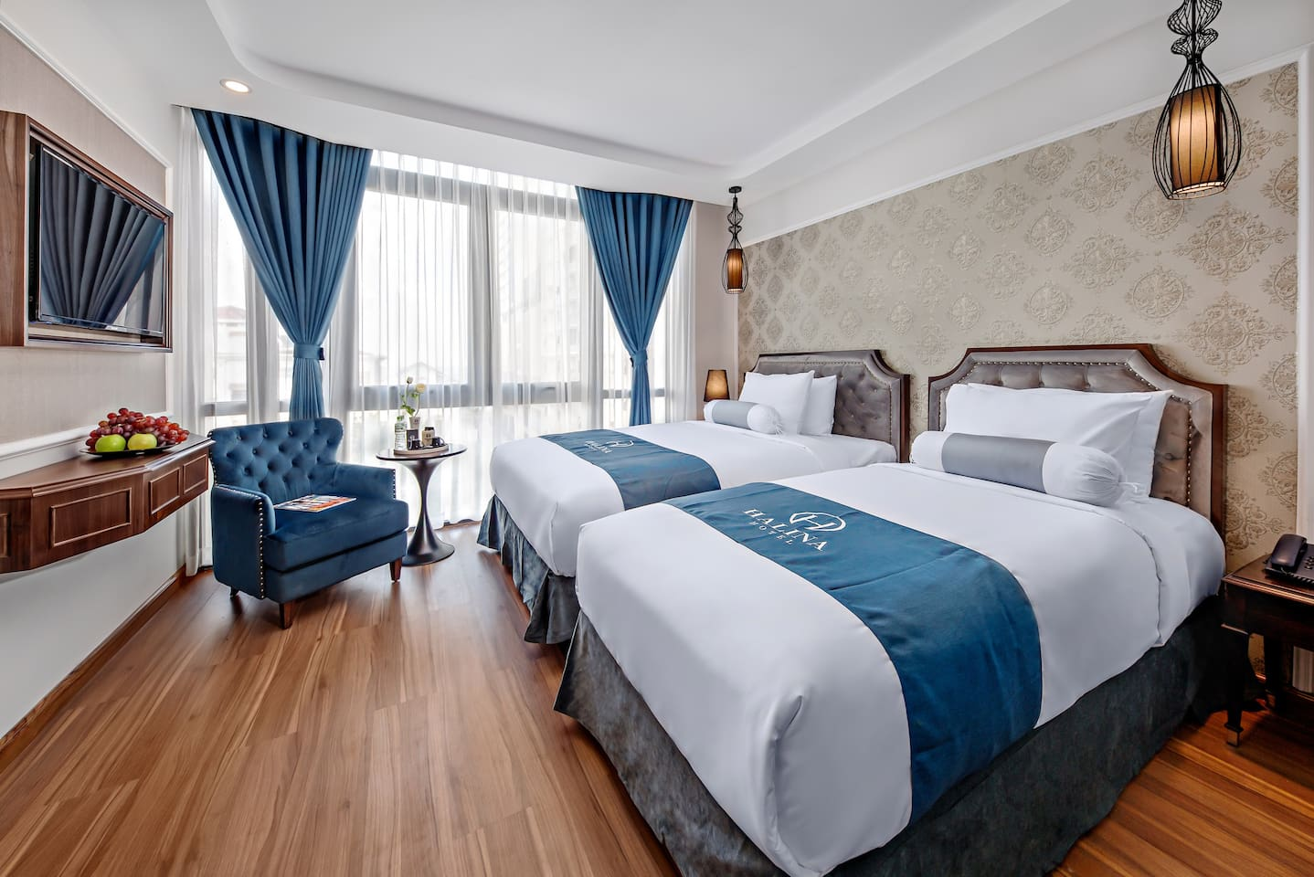 5 stars room with fully sea view @1 king bed + 1 single bed