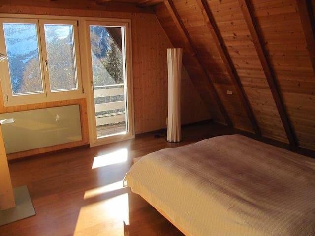 2. Doppelschlafzimmer 2. Stock/kleiner Balkon