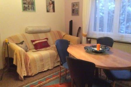 """Schlafzimmer """"Monique"""" in Wohnung - Horn"""