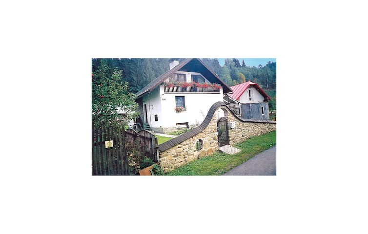 Holiday cottage with 3 bedrooms on 120m² in Oscadnica